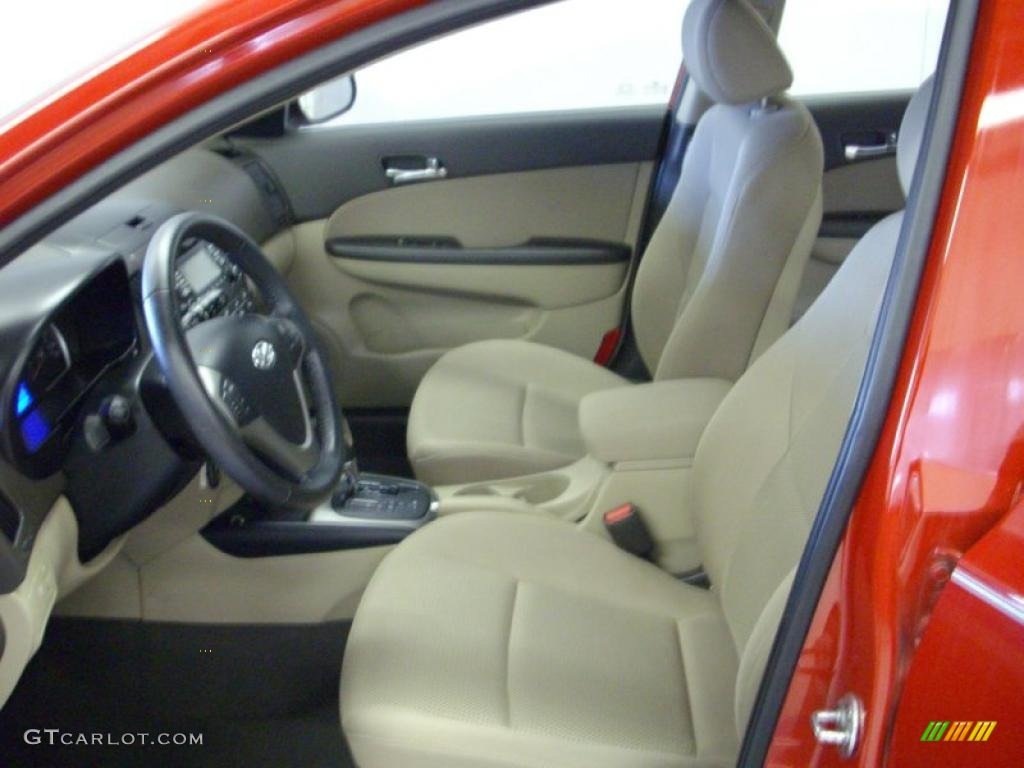 Beige Interior 2009 Hyundai Elantra Touring Photo 40740043