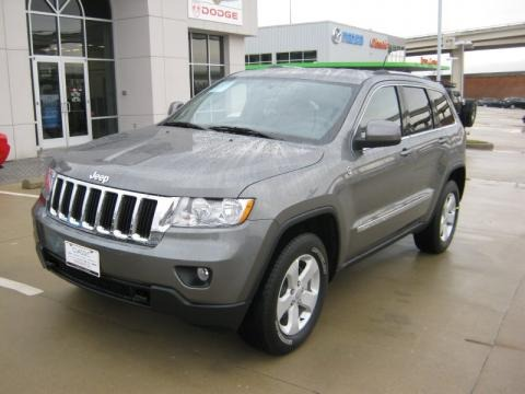 2011 jeep grand cherokee laredo x package 4x4 data info and specs. Black Bedroom Furniture Sets. Home Design Ideas