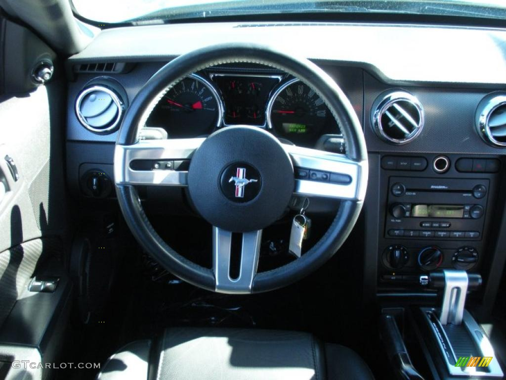 2006 Ford Mustang V6 Premium Coupe Dark Charcoal Steering Wheel Photo #40759307