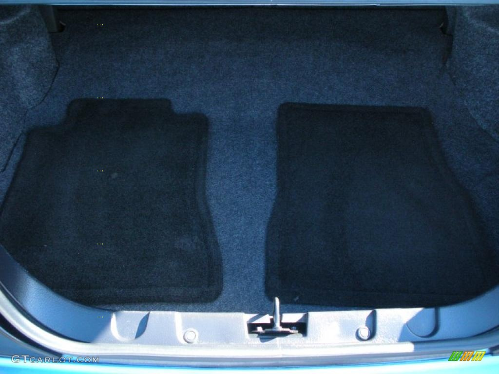 2006 Ford Mustang V6 Premium Coupe Trunk Photo #40759359