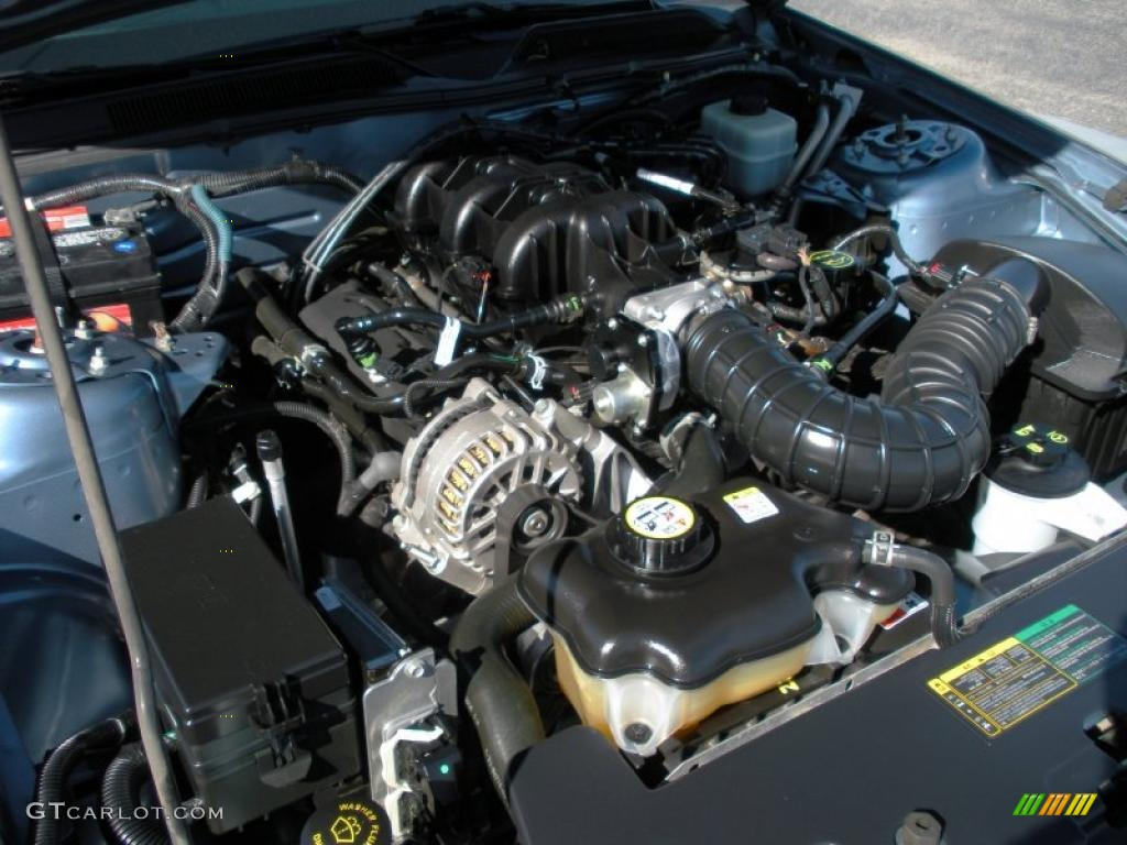 2006 Ford Mustang V6 Premium Coupe 4.0 Liter SOHC 12-Valve V6 Engine Photo #40759375