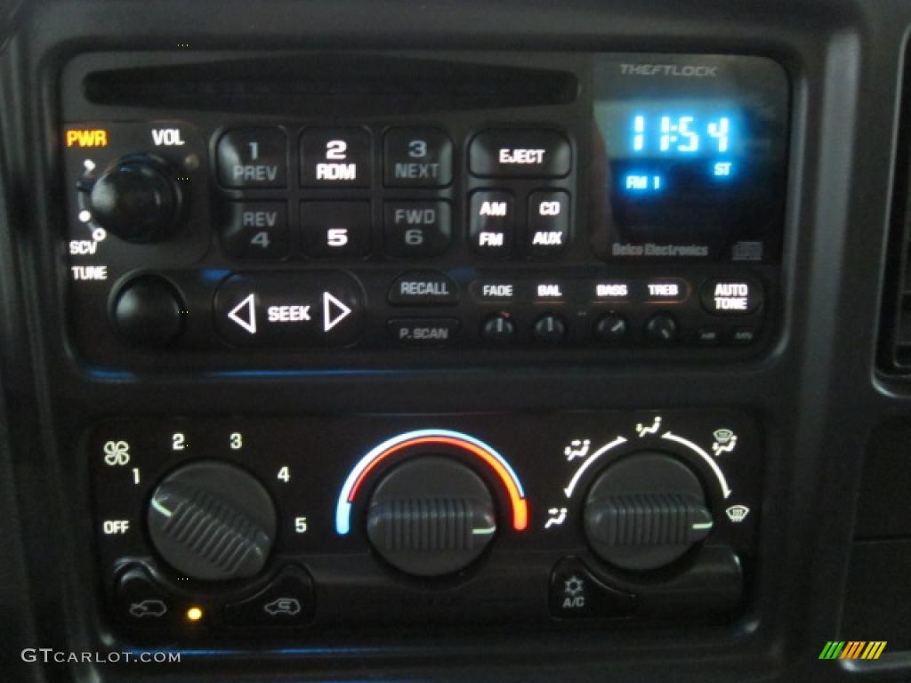2002 Chevrolet Silverado 1500 LS Regular Cab 4x4 Controls Photo #40760387