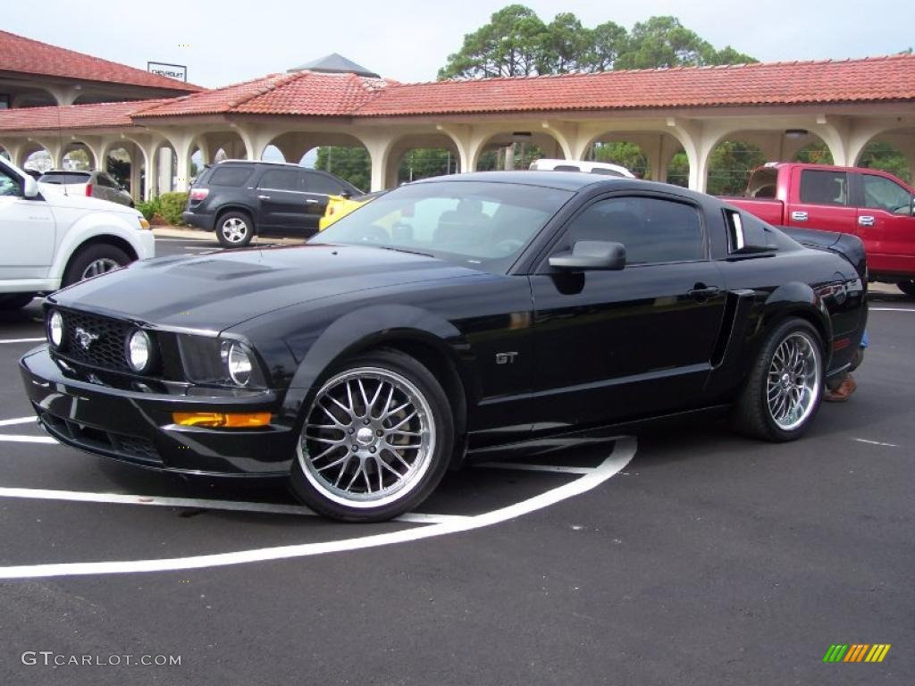 2007 Mustang GT Deluxe Coupe - Black / Dark Charcoal photo #1