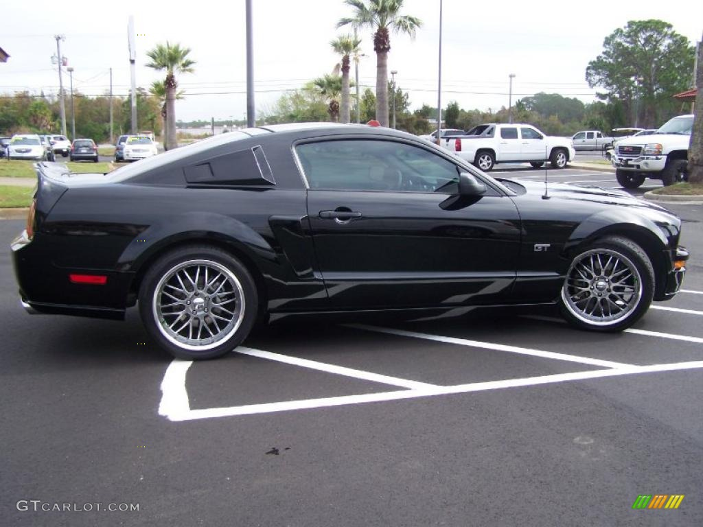 black 2007 ford mustang gt deluxe coupe exterior photo 40771875. Black Bedroom Furniture Sets. Home Design Ideas
