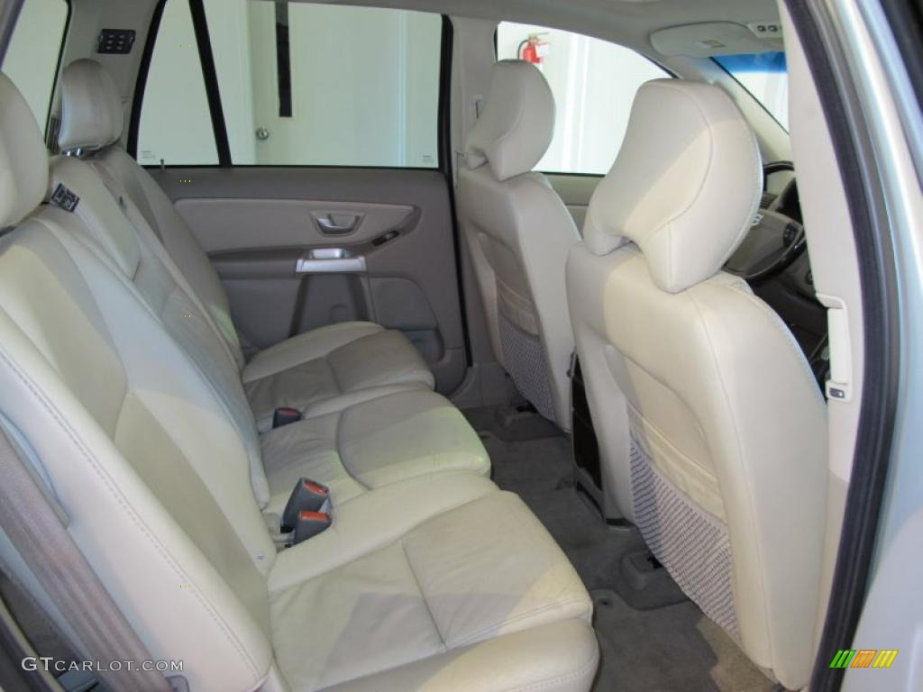2004 volvo xc90 2 5t interior photo 40832205. Black Bedroom Furniture Sets. Home Design Ideas