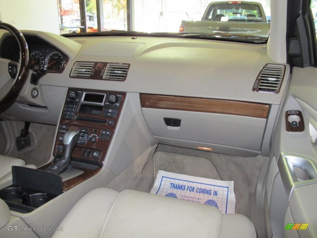 taupe interior 2004 volvo xc90 2 5t photo 40832221. Black Bedroom Furniture Sets. Home Design Ideas