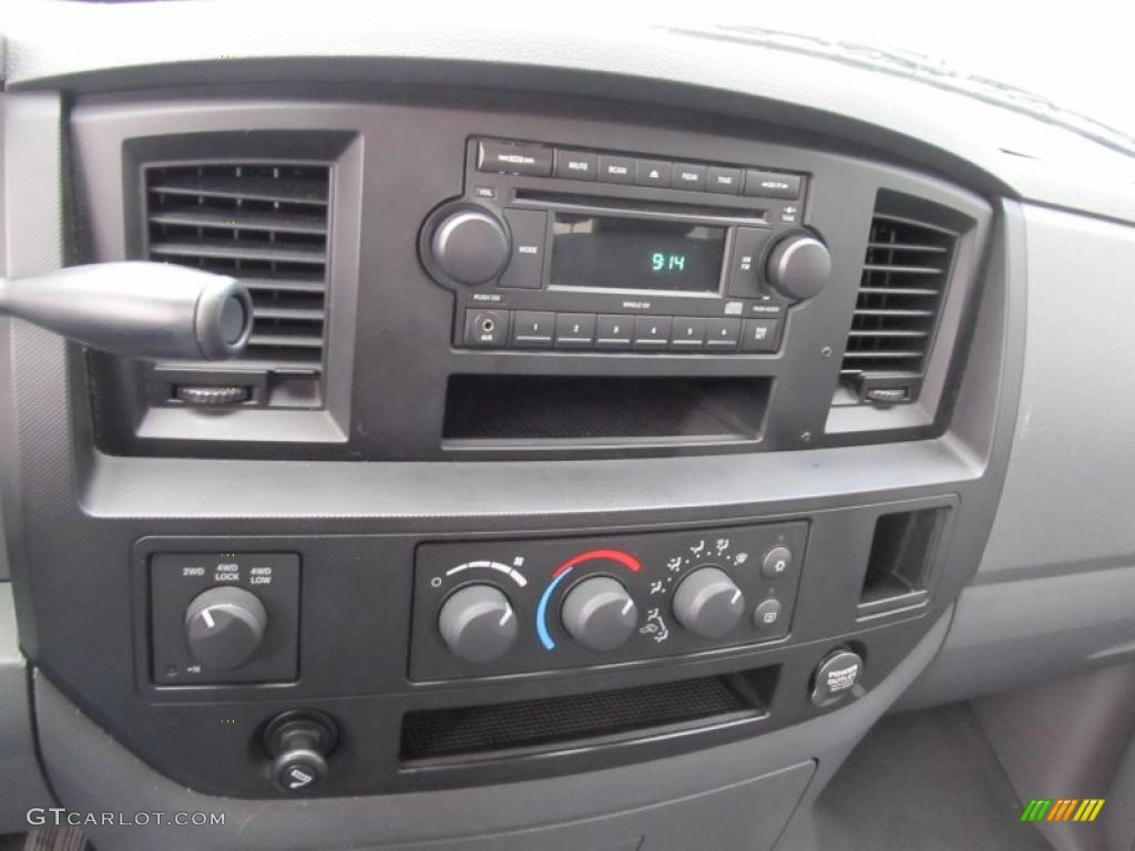 2008 Ram 1500 ST Quad Cab 4x4 - Patriot Blue Pearl / Medium Slate Gray photo #15