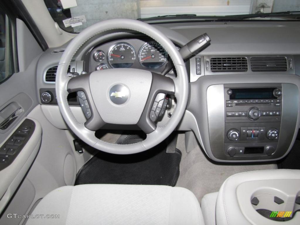 2007 Chevrolet Tahoe LS Dark Titanium/Light Titanium Dashboard Photo #40867018