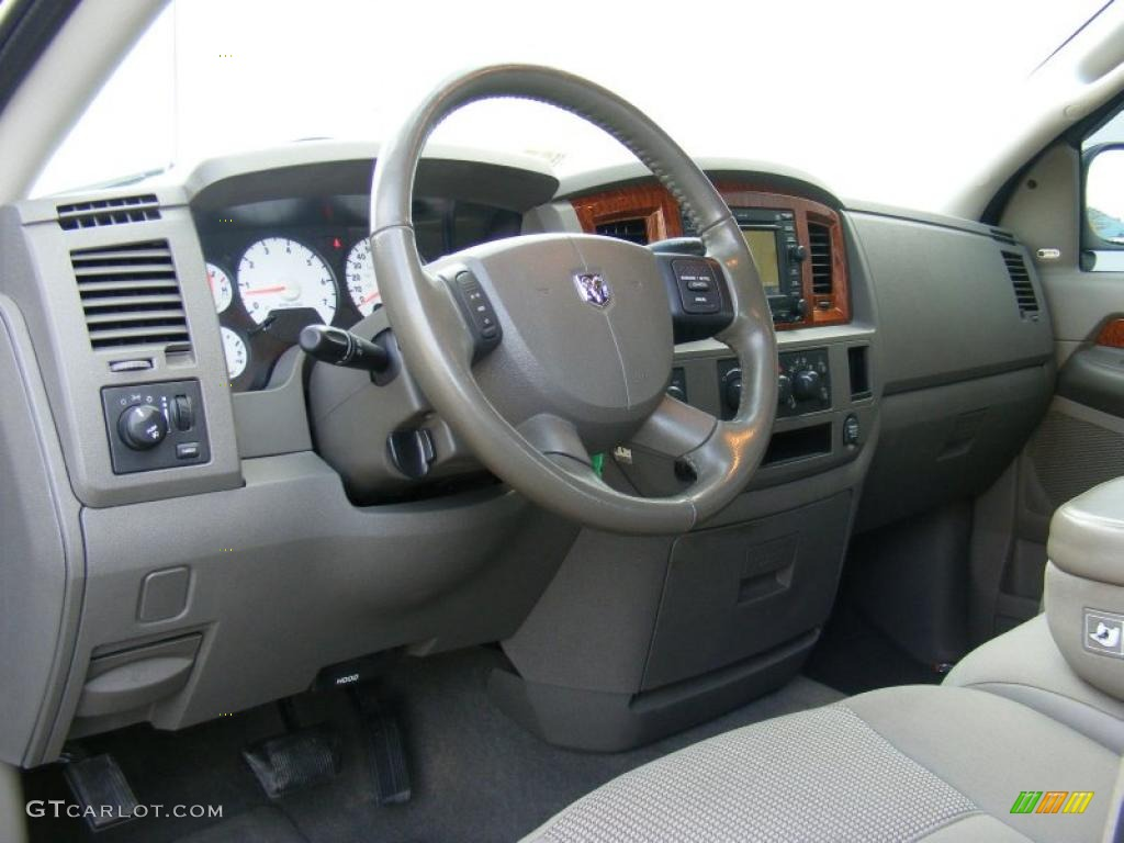 khaki beige interior 2006 dodge ram 1500 slt quad cab 4x4 photo 40872462. Black Bedroom Furniture Sets. Home Design Ideas