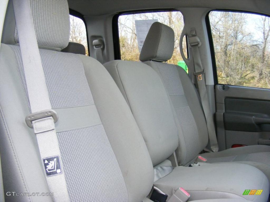 2006 Ram 1500 SLT Quad Cab 4x4 - Brilliant Black Crystal Pearl / Khaki Beige photo #30