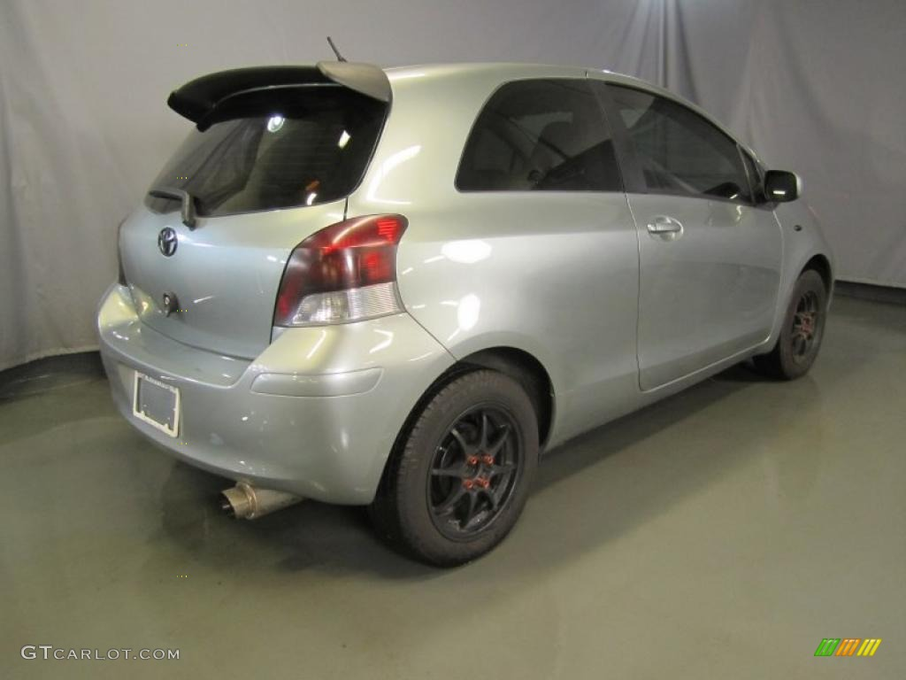 Yaris s sedan barcelona red pearl color dark charcoal interior - 2010 Silver Streak Mica Toyota Yaris Rs 3 Door Liftback