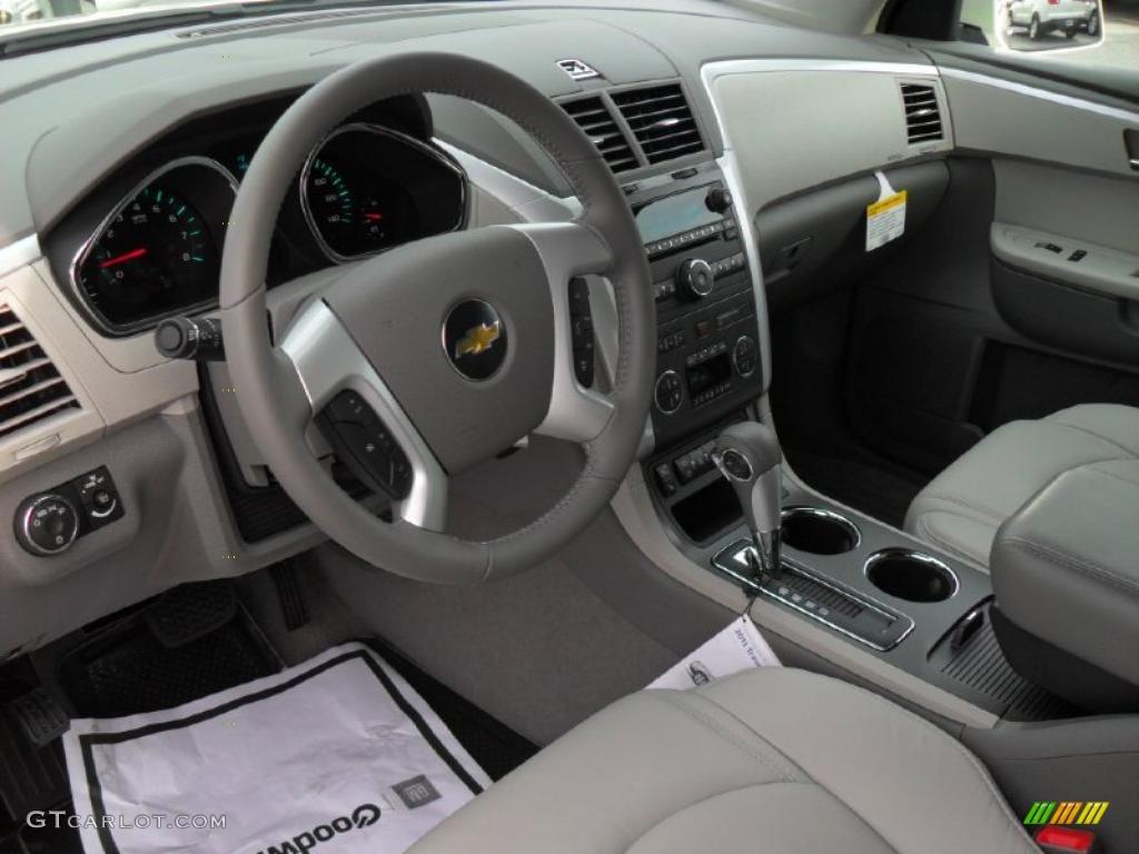 Dark Gray Light Gray Interior 2011 Chevrolet Traverse Lt