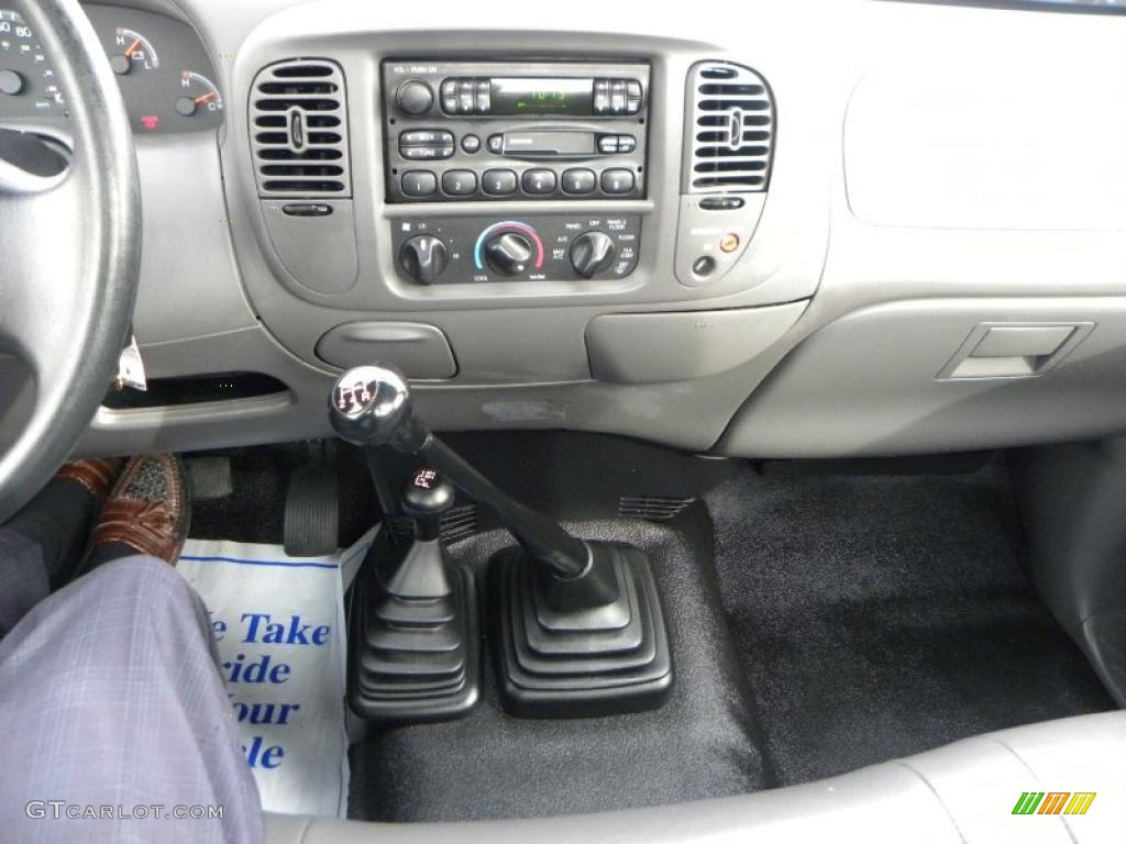 2003 Ford F150 XL Regular Cab 4x4 5 Speed Manual Transmission Photo  #40891613