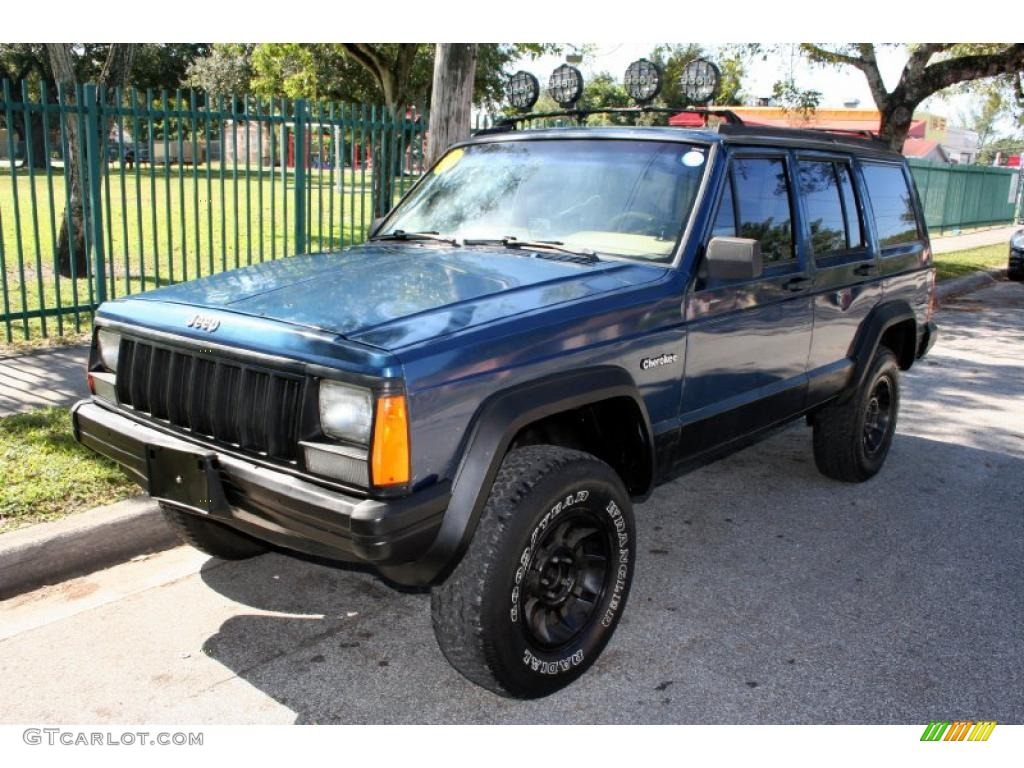 Dark Montego Blue Pearl Metallic Jeep Cherokee. Jeep Cherokee Sport