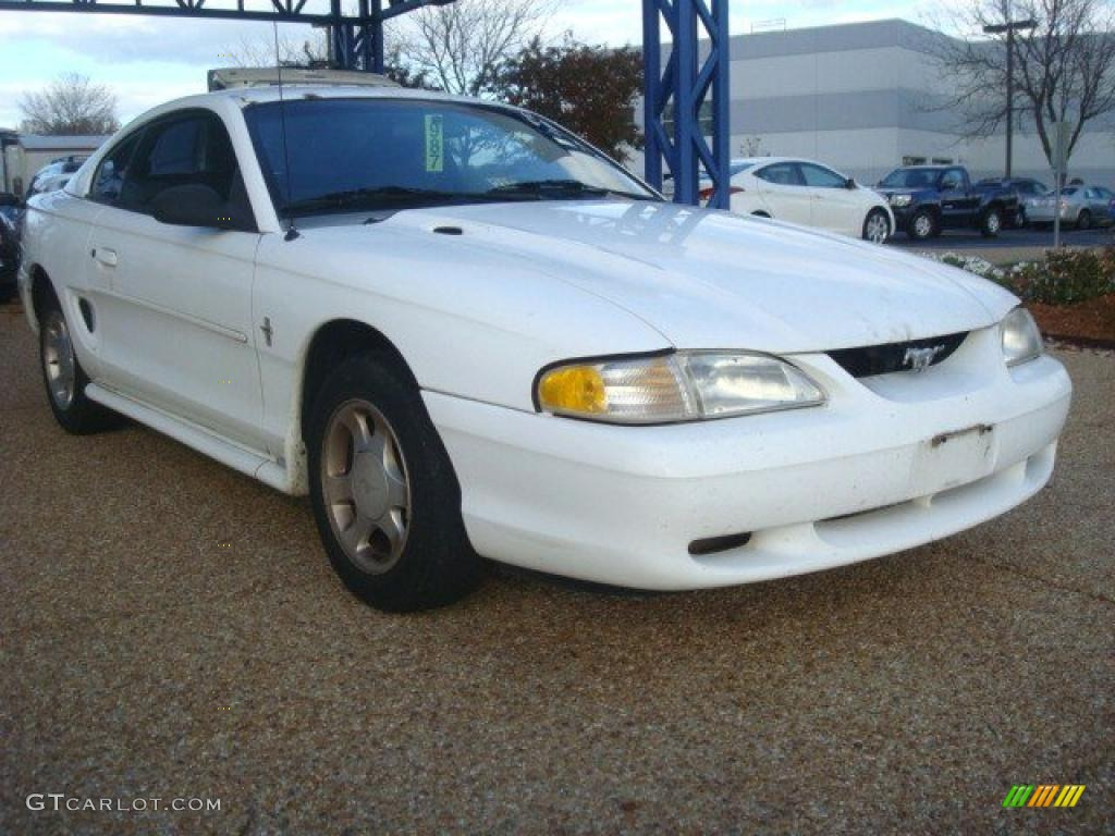 Crystal White 1995 Ford Mustang V6 Coupe Exterior Photo #40941302 ...