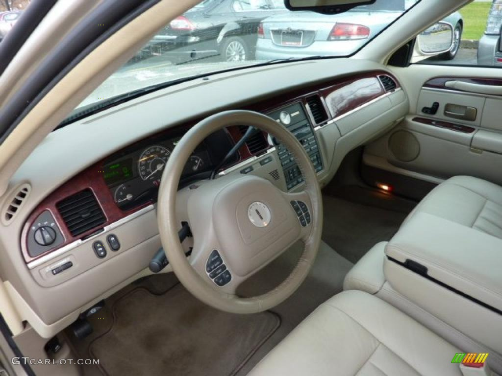light parchment interior 2004 lincoln town car signature photo 40985357. Black Bedroom Furniture Sets. Home Design Ideas