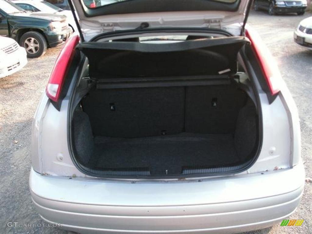 2005 ford focus zx5 se hatchback trunk photo 41122699. Black Bedroom Furniture Sets. Home Design Ideas