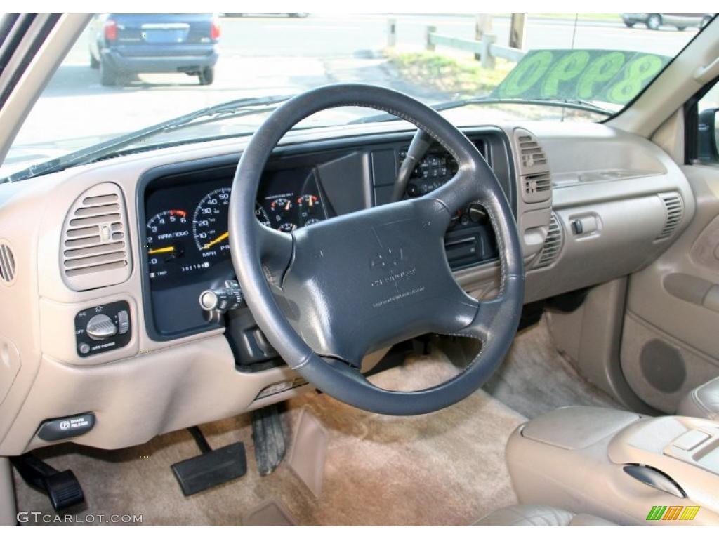 1996 Chevrolet Suburban C1500 Tan Dashboard Photo 41183078