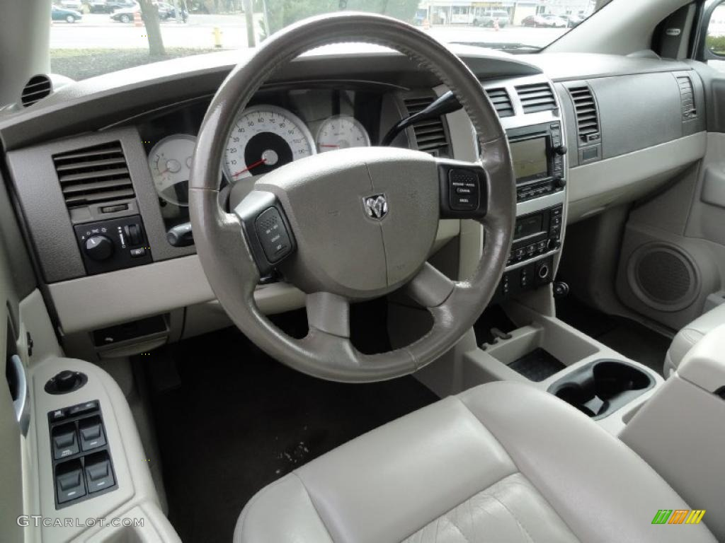 dark khaki light khaki interior 2006 dodge durango limited. Black Bedroom Furniture Sets. Home Design Ideas