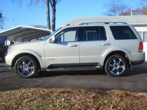 2003 lincoln aviator luxury awd data info and specs. Black Bedroom Furniture Sets. Home Design Ideas