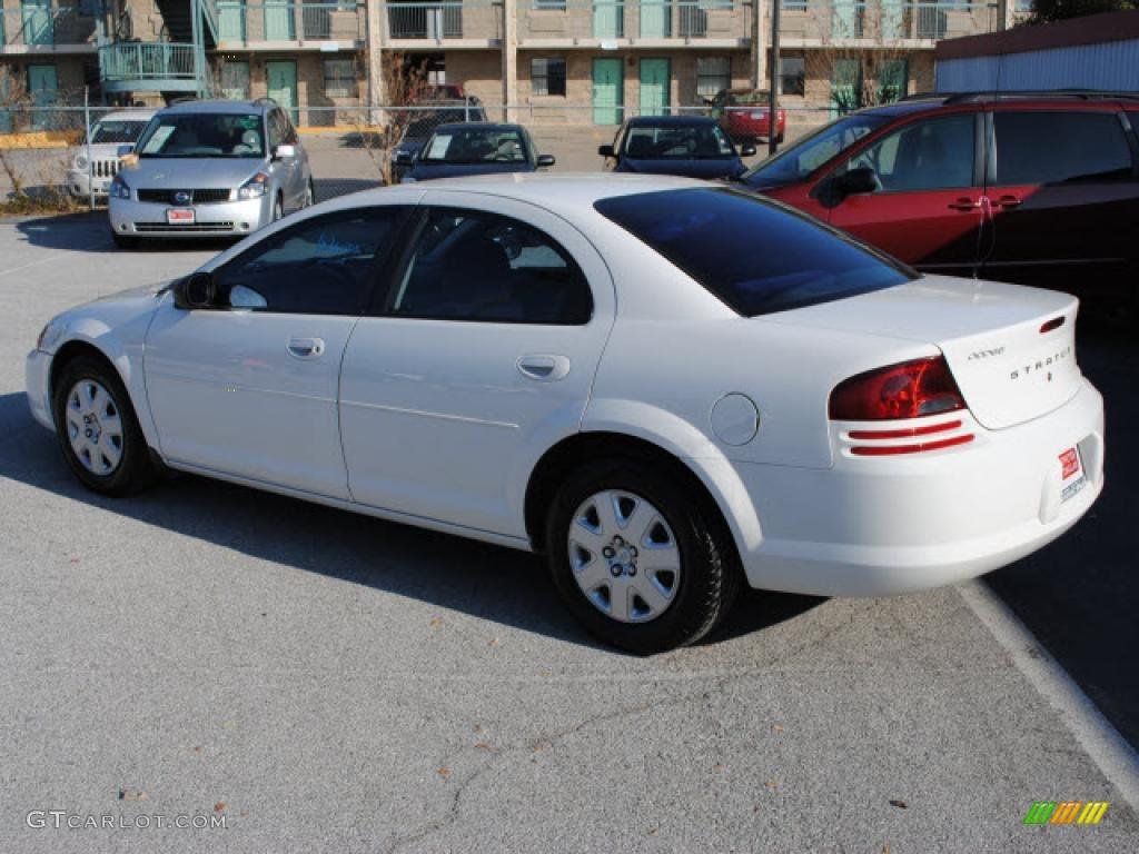 Stone White 2002 Dodge Stratus Se Sedan Exterior Photo