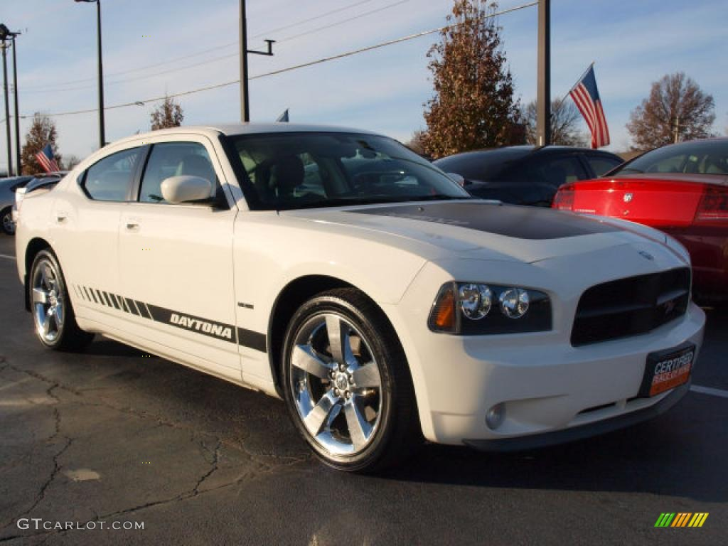 Stone White 2009 Dodge Charger R T Exterior Photo