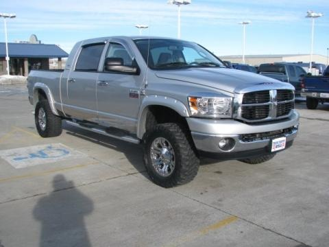 2007 dodge ram 2500 slt mega cab 4x4 data info and specs. Black Bedroom Furniture Sets. Home Design Ideas