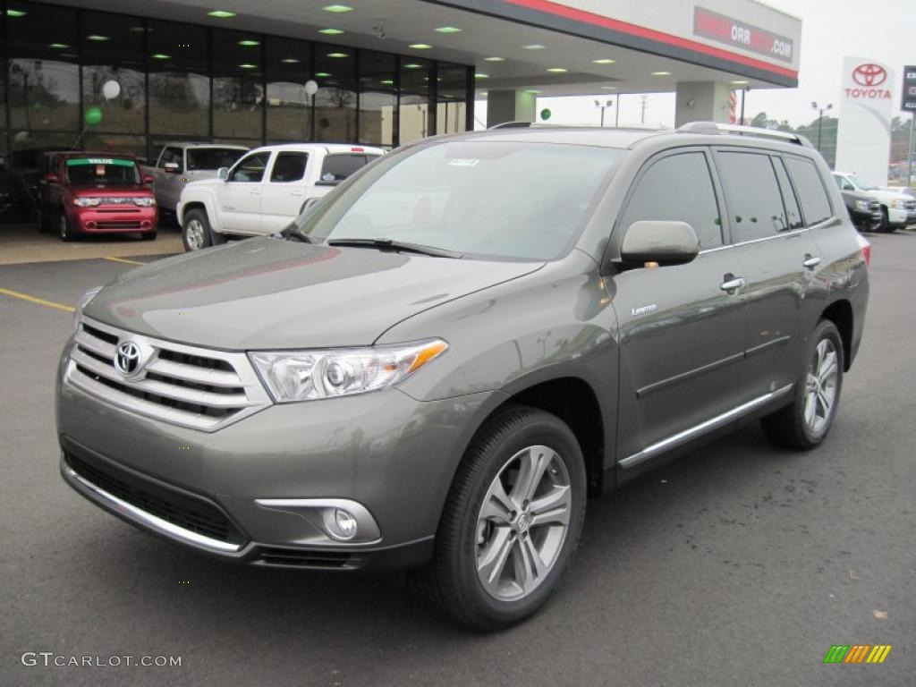 151728496364 moreover 2010 as well Interior 85111697 furthermore Exterior 41430531 additionally Watch. on 2012 toyota highlander se v6