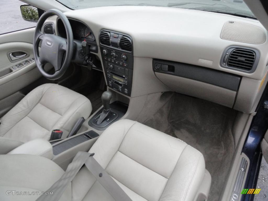 2001 Volvo S40 1.9T interior Photo #41466010 | GTCarLot.com