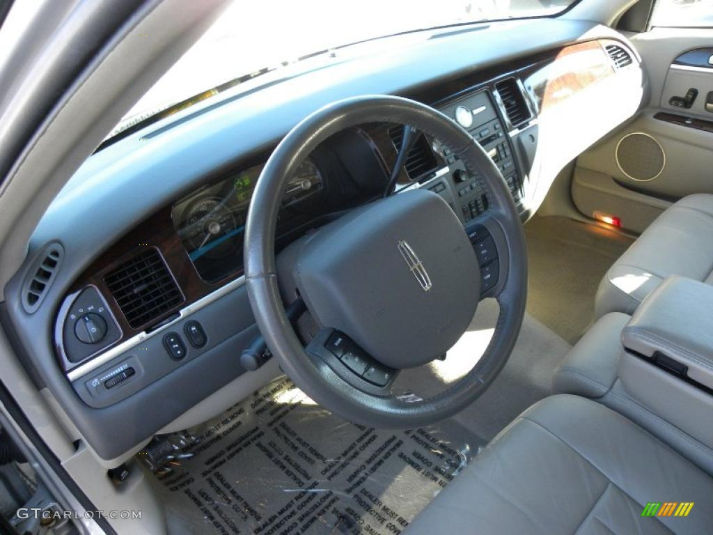 medium light stone interior 2007 lincoln town car. Black Bedroom Furniture Sets. Home Design Ideas