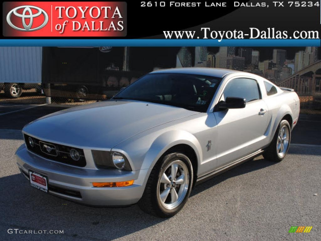 2007 Mustang V6 Premium Coupe - Satin Silver Metallic / Dark Charcoal photo #1