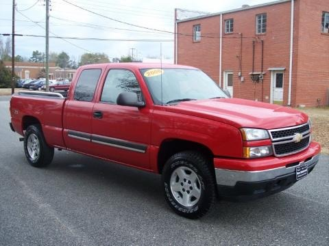2006 Chevrolet Silverado 1500 LT Extended Cab 4x4 Data, Info and Specs