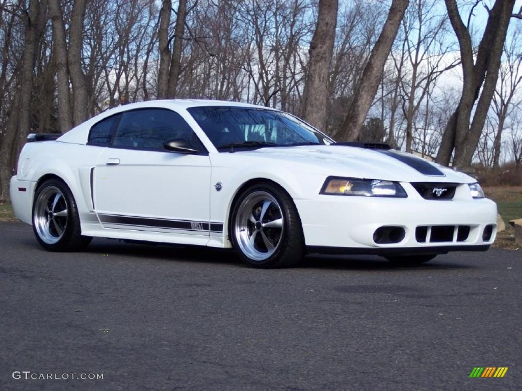 Oxford white 2004 ford mustang mach 1 coupe exterior photo 41626234