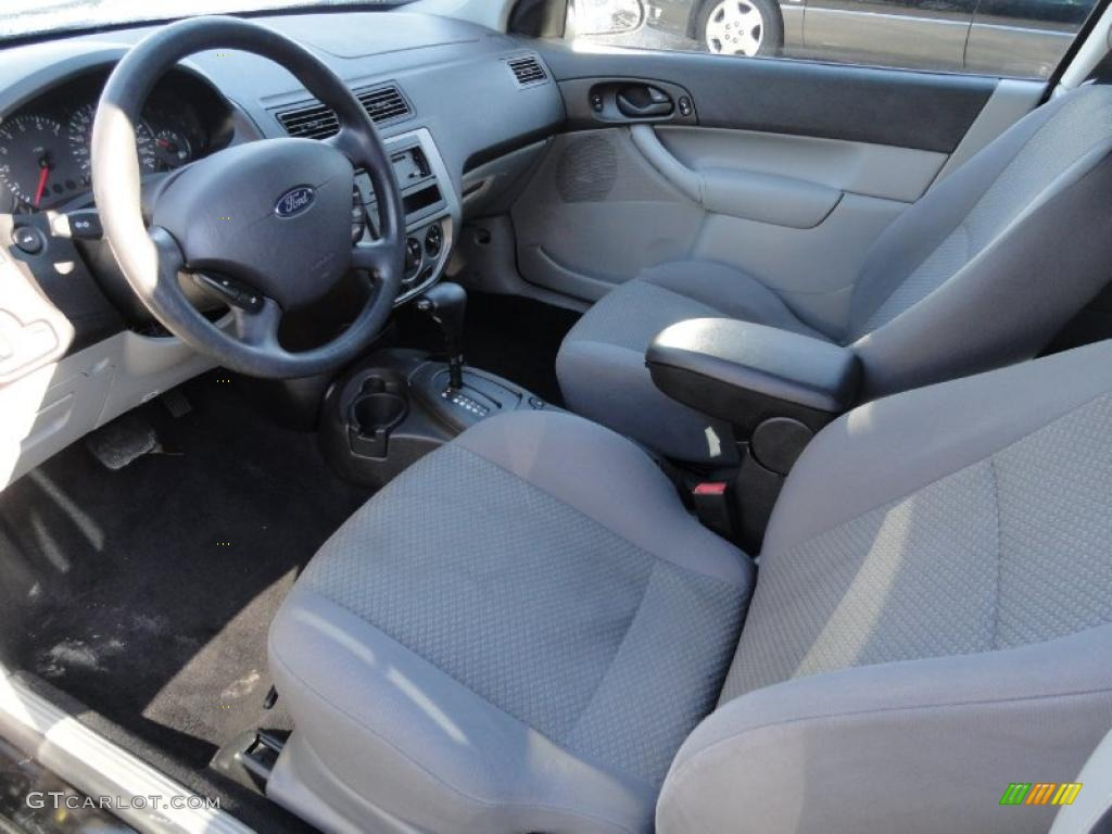 Charcoal charcoal interior 2006 ford focus zx3 se for Ford focus 2006 interieur