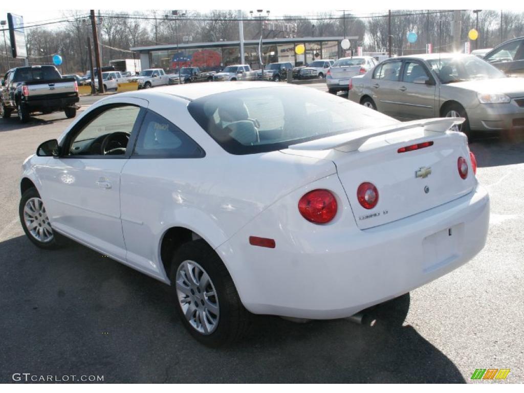 2010 Cobalt LT Coupe   Summit White / Gray Photo #8