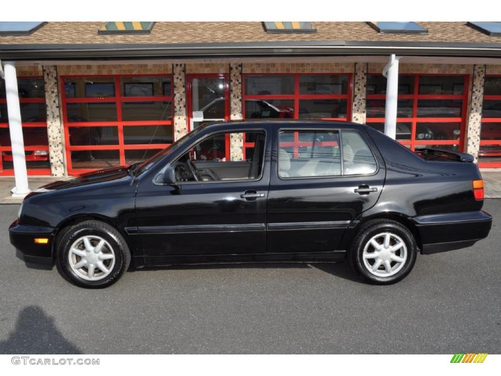 1995 together with Bowrider Series additionally Volkswagen Corrado Vr6 additionally Red Devil Golf 1 Vr6 2 8 in addition Vr6 Engine Parts Blocks Head Crank Etc 43251. on vr6 engine