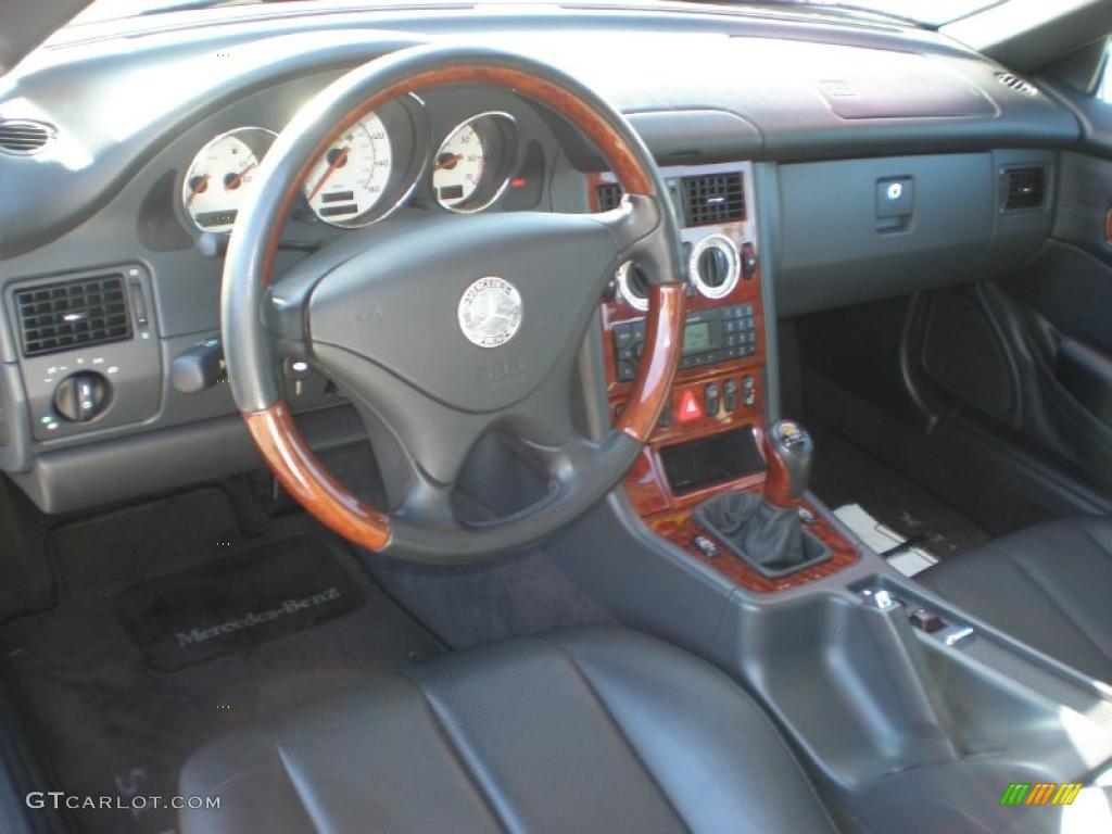 Image gallery 2003 mercedes slk 320 for Mercedes benz interior accessories