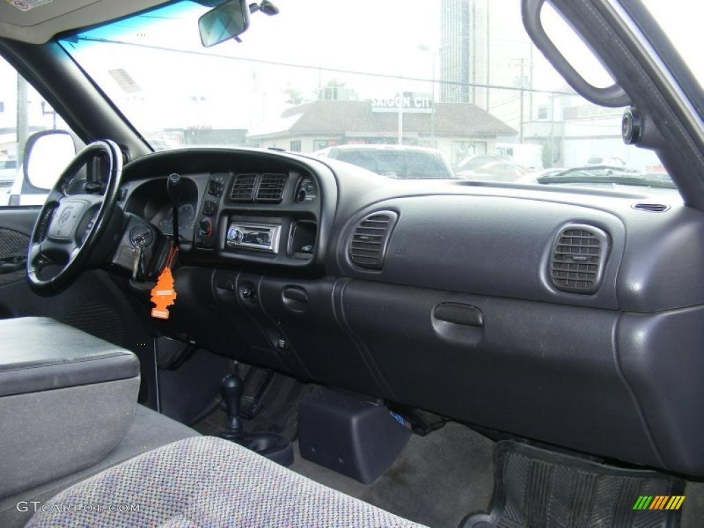 on 1997 Dodge Ram 1500 Sport 4x4 Specs