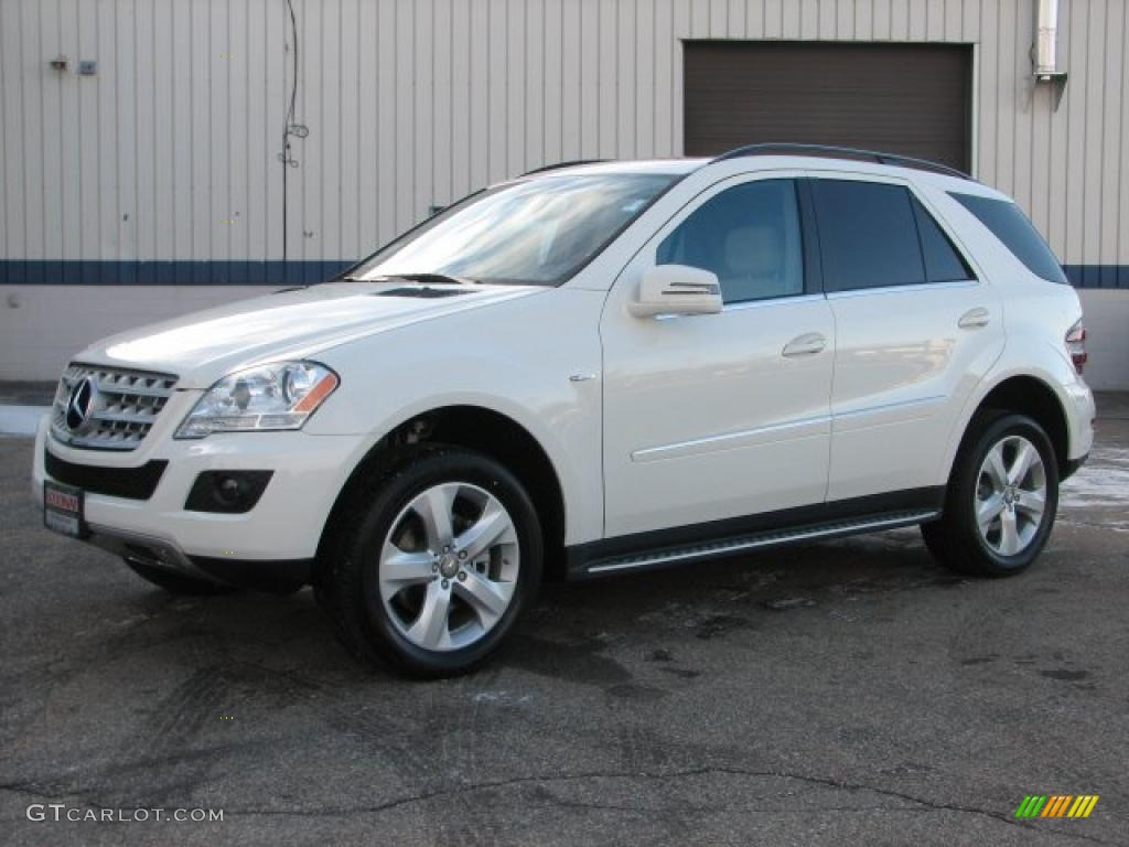 Arctic white 2011 mercedes benz ml 350 bluetec 4matic for Mercedes benz 2011