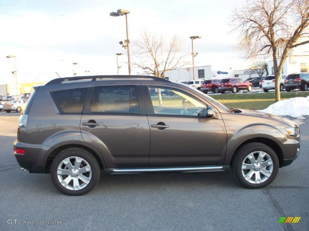 Quartz Brown Metallic 2011 Mitsubishi Outlander Se