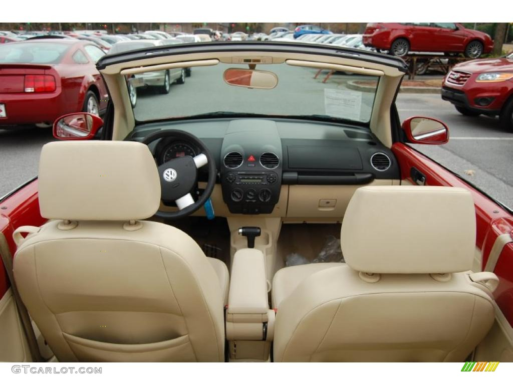 Cream Interior 2006 Volkswagen New Beetle 2.5 Convertible Photo ...