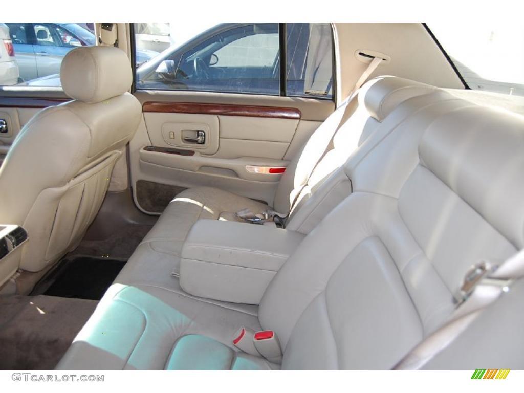 1997 Cadillac Deville Sedan Interior Photo 42079051