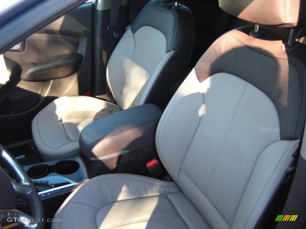 Taupe Interior 2011 Hyundai Tucson Limited Photo 42085539