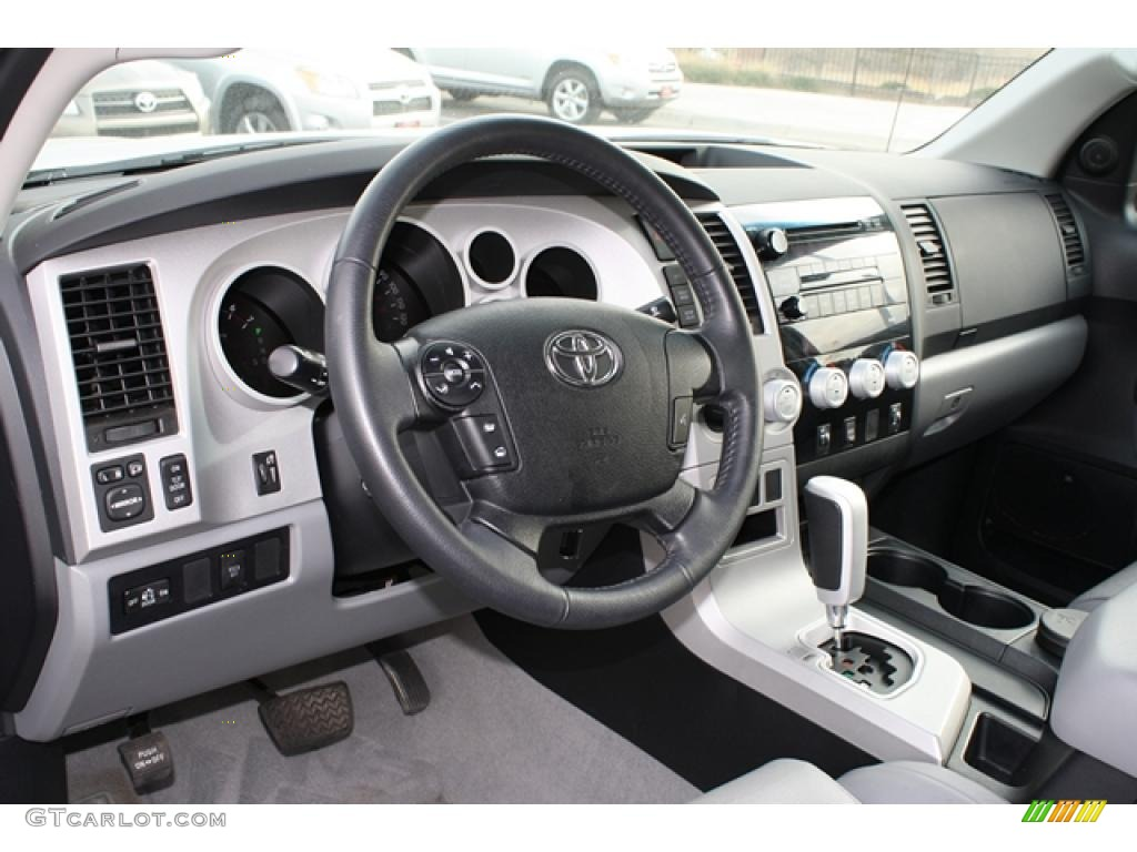 graphite gray interior 2008 toyota tundra limited crewmax 4x4 photo 42113777