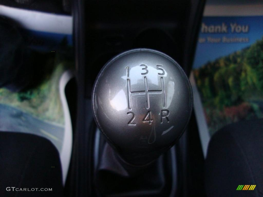 2010 Nissan Versa 1.6 Sedan 5 Speed Manual Transmission ...
