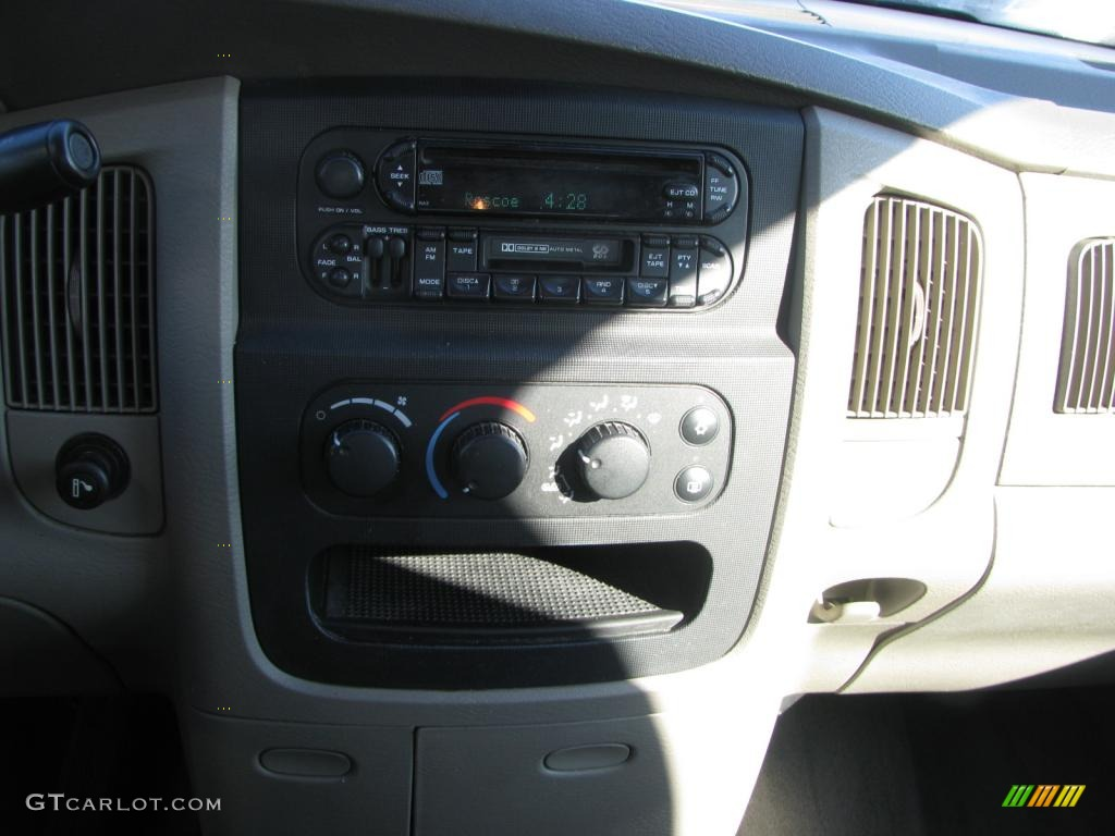 2002 Ram 1500 SLT Quad Cab - Bright White / Taupe photo #23