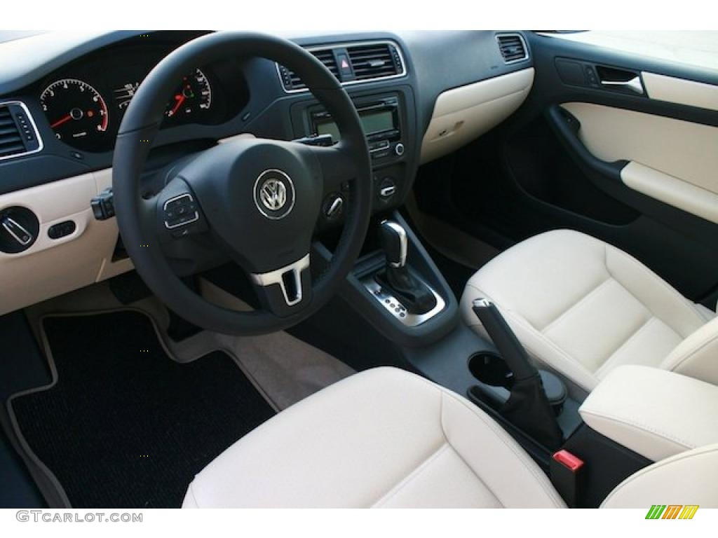 Cornsilk Beige Interior 2011 Volkswagen Jetta Se Sedan Photo 42291971