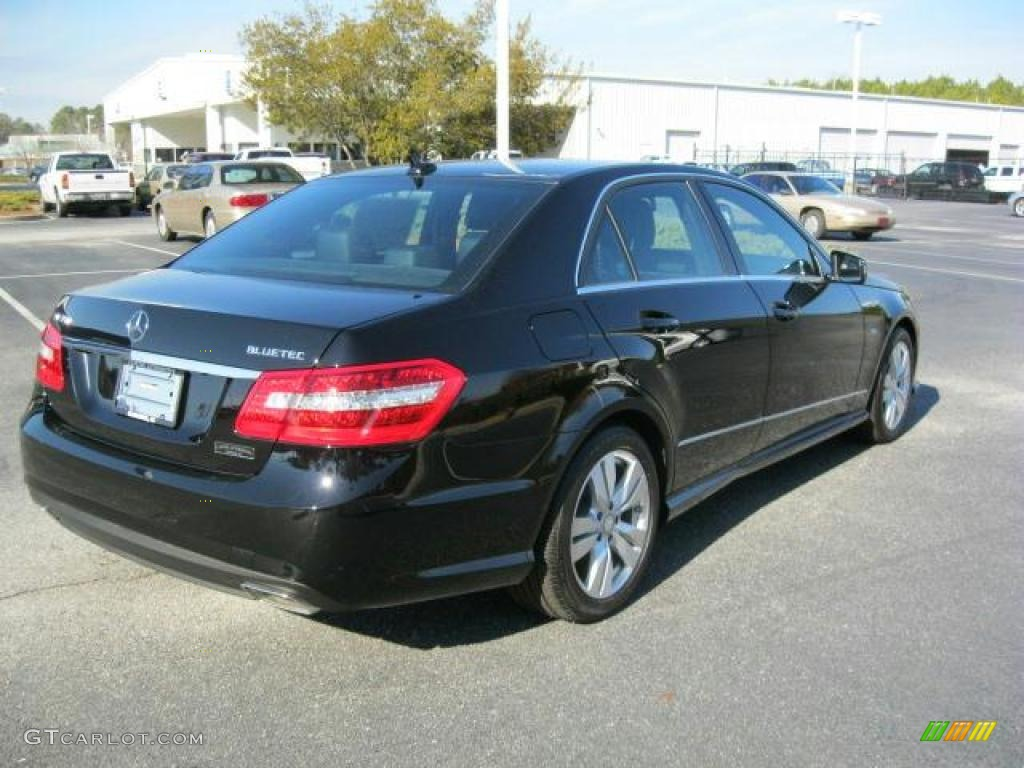Black 2011 mercedes benz e 350 bluetec sedan exterior for Mercedes benz e350 diesel