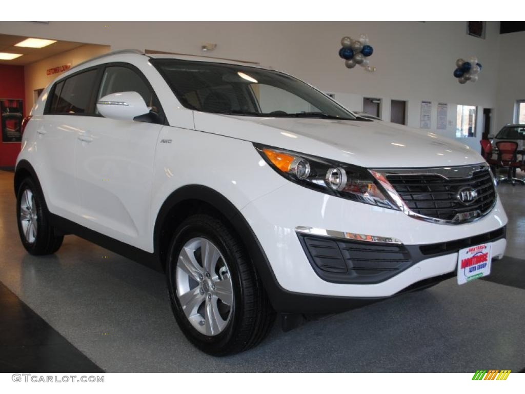 clear white 2011 kia sportage lx awd exterior photo 42396679. Black Bedroom Furniture Sets. Home Design Ideas