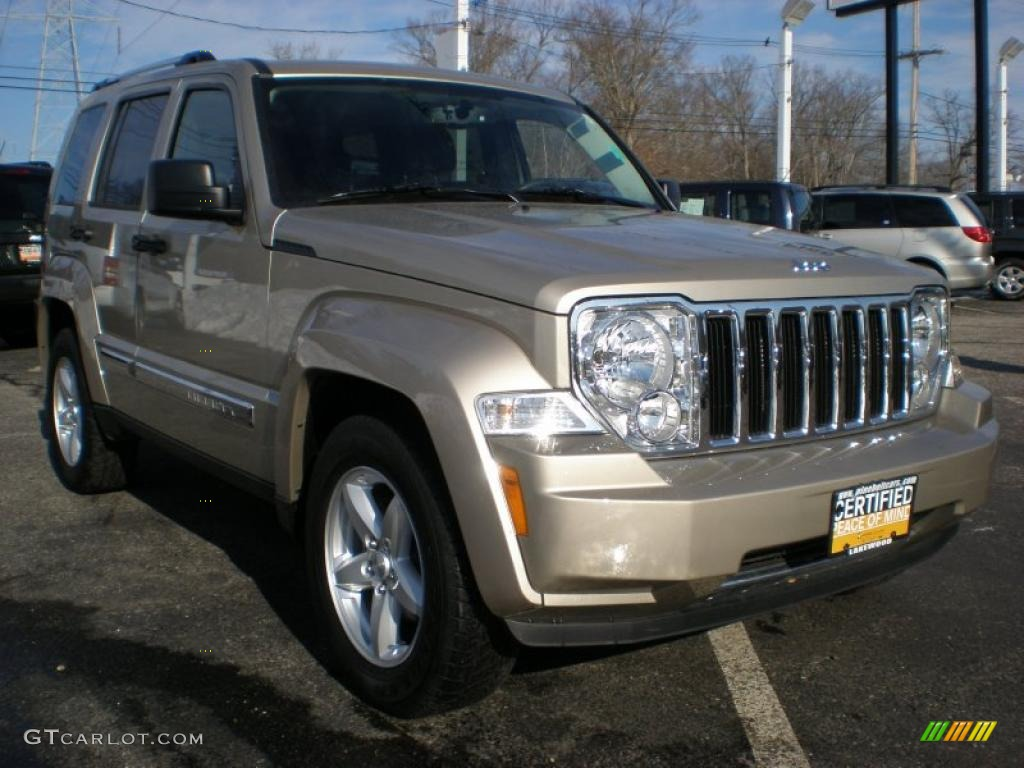 Light Sandstone Pearl 2010 Jeep Liberty Limited 4x4 Exterior Photo 42400951